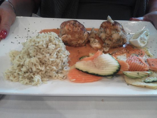 The Fish House Encore : Crab Cakes at Oncore