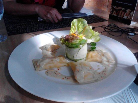 La Vetta Restaurant and Wine Bar: Salmon Ravioli