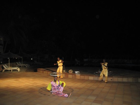 Temple Point Resort: Evening entertainment
