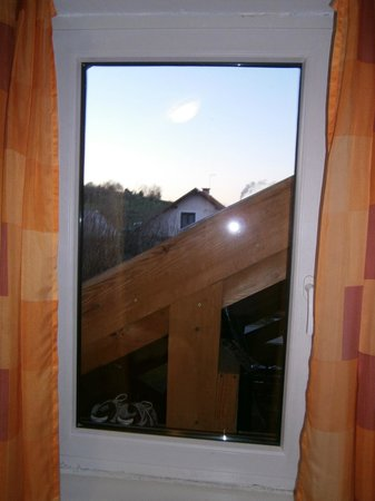 Apartmani Rubcic : Window, view from the bedroom