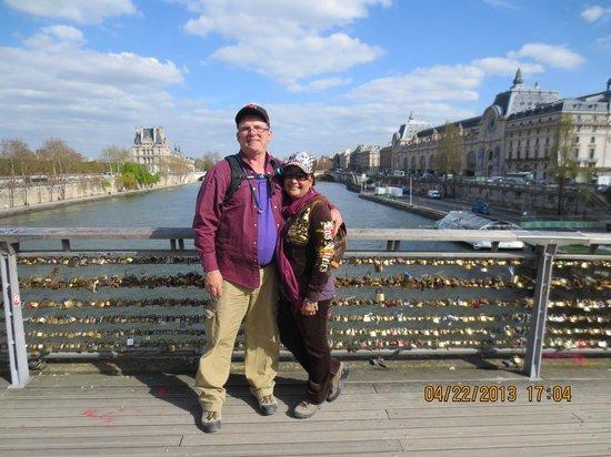 Passerelle Leopold-Sedar-Senghor: Bridge of Love