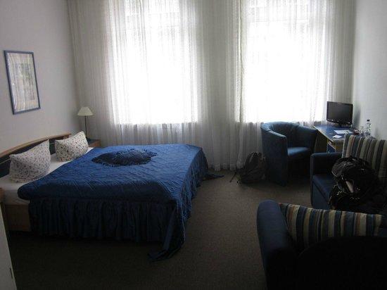Novalis Hotel : spacious family room