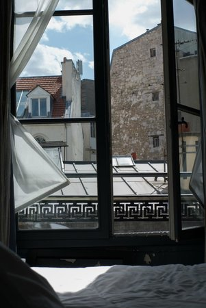 Hotel Fontaines du Luxembourg: View from room