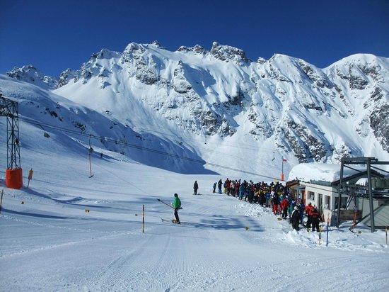 Pizol Ski Resort : Tbar, lift F I think.