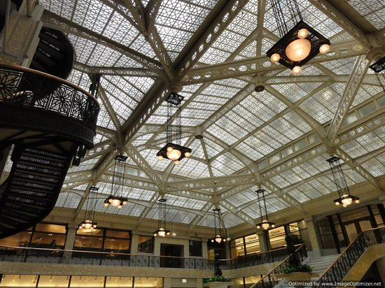 Walk Chicago Tours: Classic Chicago building interior