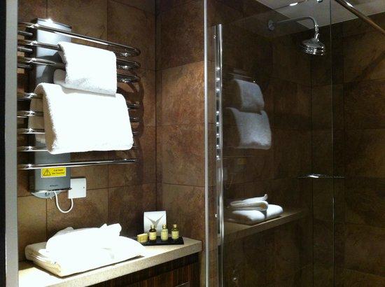Bauhaus Hotel: Bath