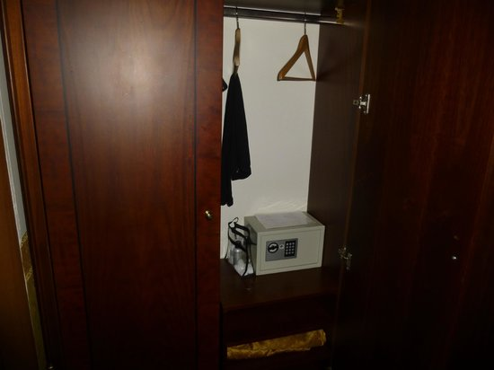 Aurelius Art Gallery Hotel : safe