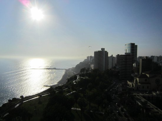 Miraflores Suites in Lima Peru : View from the roof, showing cliff gliders