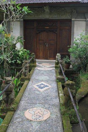 Alam Jiwa: Room door
