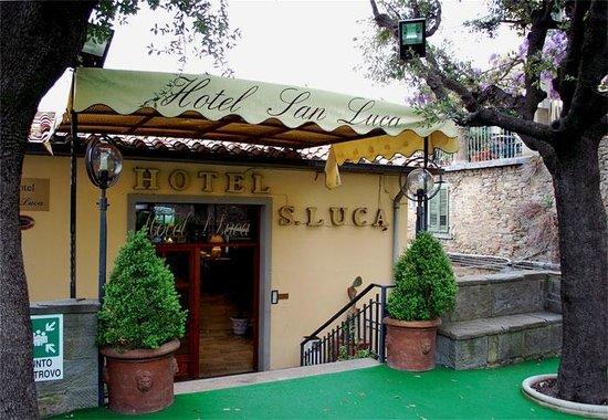 Hotel San Luca: L'ingresso dell'Hotel