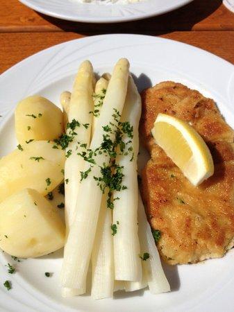 Einhorn Düsseldorf asparagus was in season and the schnitzel was tasty picture of