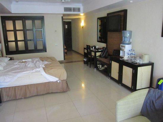 Sandos Playacar Beach Resort: Our Room