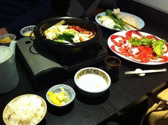 Koetsu: voilà à quoi ressemble un sukiyaki entre amis !