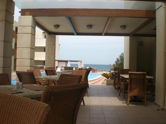 Santa Marina Plaza: Restaurant (buiten)