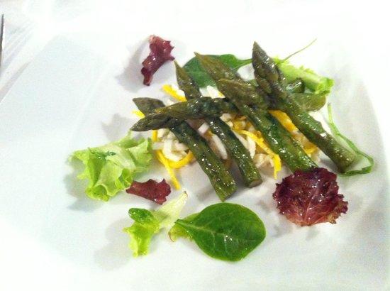 Pironetomosca: dicevamo, appunto, asparagi ...