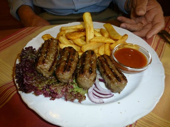 Tresor Restaurant: Ground beef and pork rolls, grilled with honey