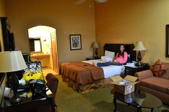 Ayres Hotel Redlands: room 253