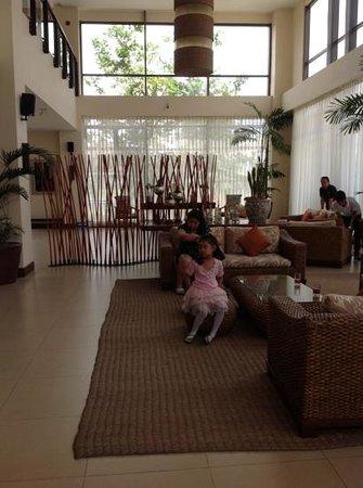 Hotel Kimberly: lobby