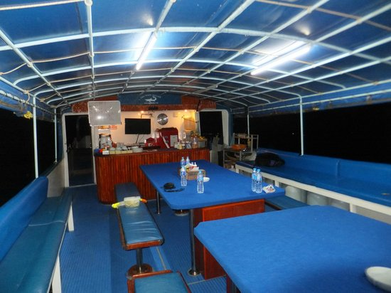 Eden Divers Khao Lak: Dining and chillout area with a real coffee machine!!!!