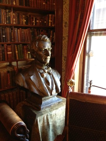 Seward House: Seward bust in library