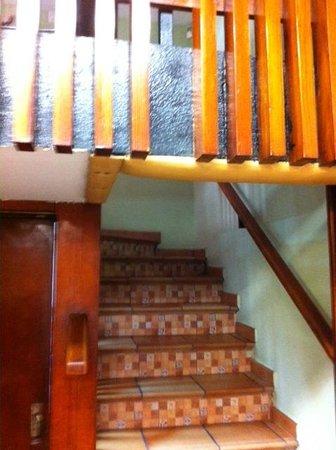 Casa Albo : la scala che porta al soppalco