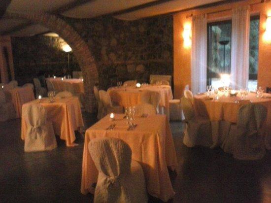 Casali Santa Brigida: il locale ristorativo in pietra