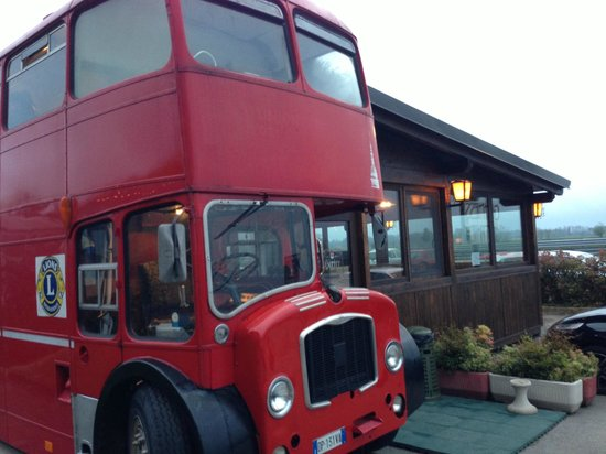 Guinness Time : L'autobus London Style all'ingresso