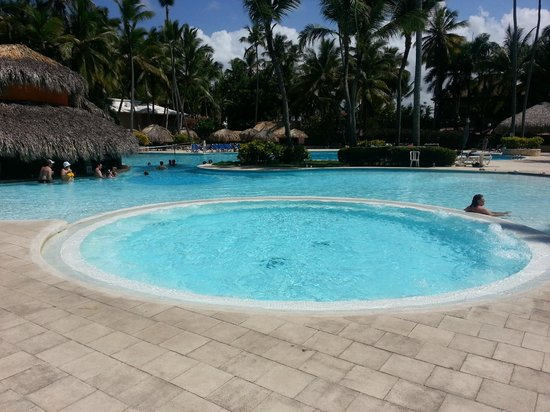 Grand Palladium Palace Resort Spa & Casino: Palace area pool