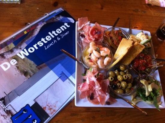 Hotel de 14 Sterren: eten in restaurant de Worsteltent op Texel, bij hotel 14 Sterren