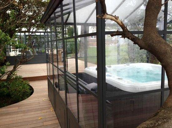 La Villa Mauresque : New Spa