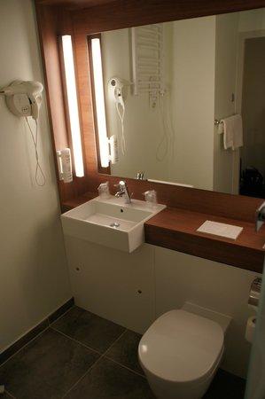 Campanile Wroclaw Centrum : Badezimmer