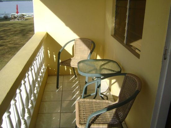 Reef View Apartments: Patio for 1 bedroom