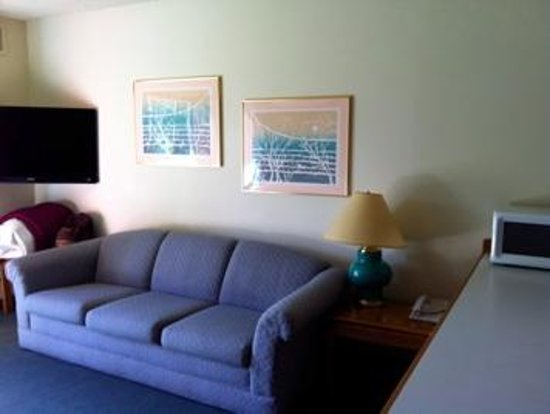 Bend Riverside Inn & Suites : Optional sofa-bed