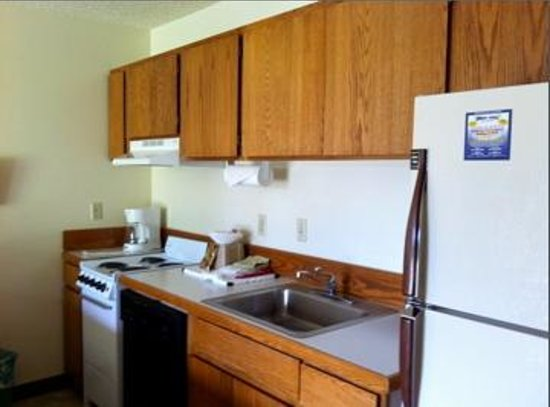 Bend Riverside Inn & Suites: Full Kitchen