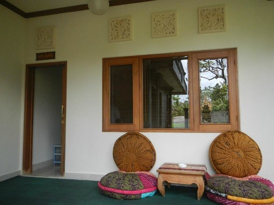 Bayu Guest House: verandah outside my room