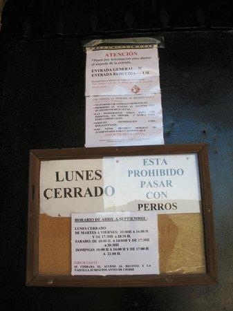 Sacro Convento y Castillo de Calatrava La Nueva: Cartel con informacion variada