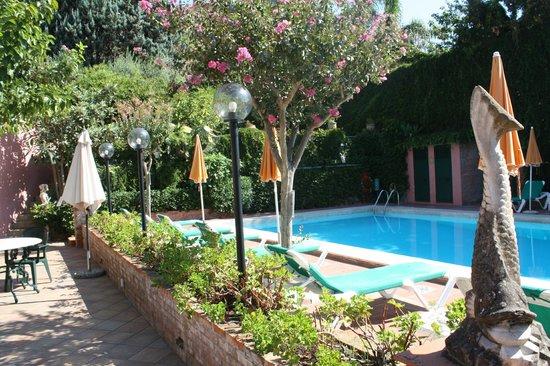 Hotel Villa Sirina - pool area