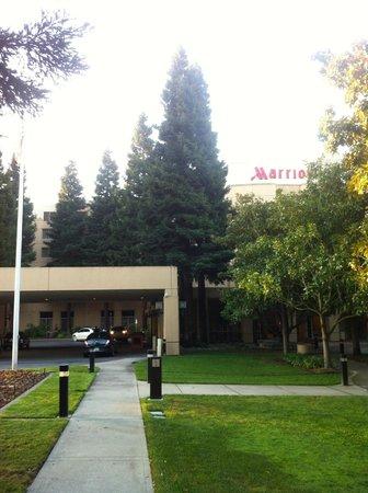 San Ramon Marriott : Hotel grounds