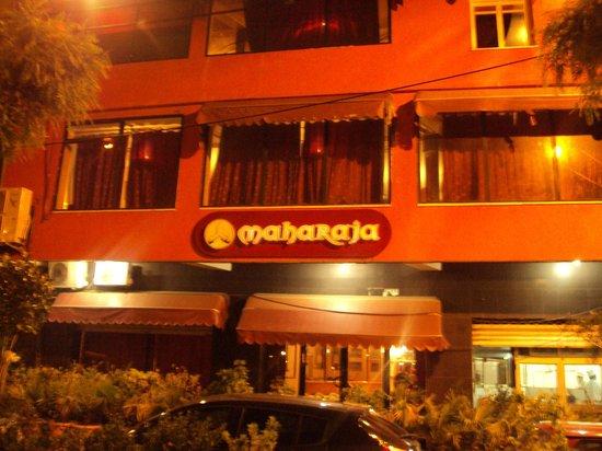 Maharaja: Entree du restaurant