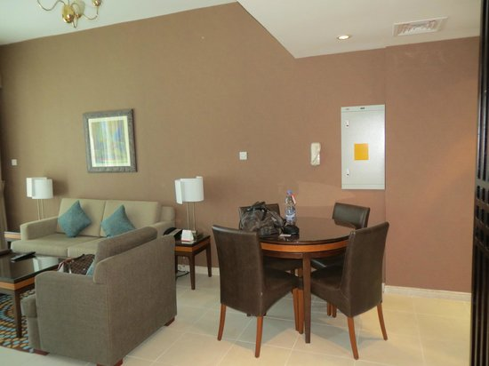 Xclusive Hotel Apartments: dining