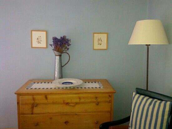 Agriturismo Marciano: a corner in my room (Azzurra)