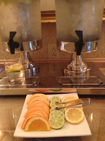 Hermitage Hotel: Fruit-infused water for gym and spa
