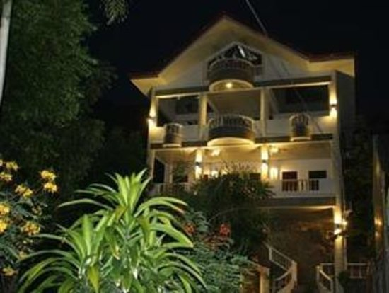 Greenyard Inn : Hotel building