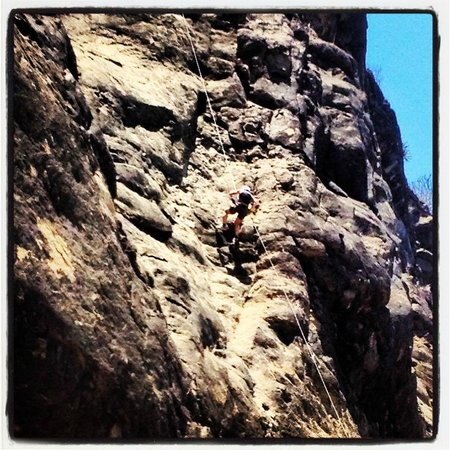 Aracne Rappelling Day Tours: The big repel!