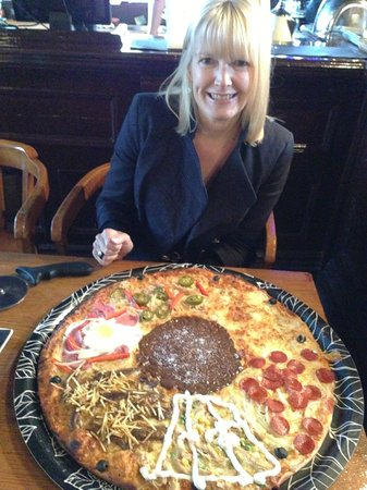 Canecao: The Giant Pizza!