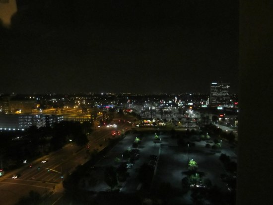 Doubletree by Hilton Anaheim - Orange County: view at night from room city NOT disney