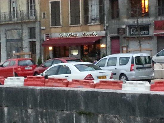 Le Petit Rocher: Front of the restaurant
