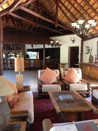 Monate Game Lodge: the bar