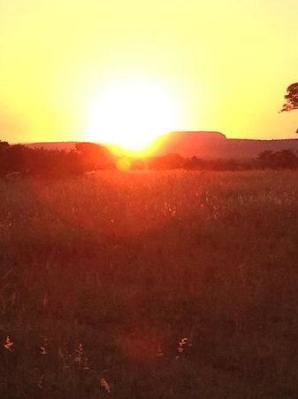 Monate Game Lodge: sunset on the game drive..so beautiful