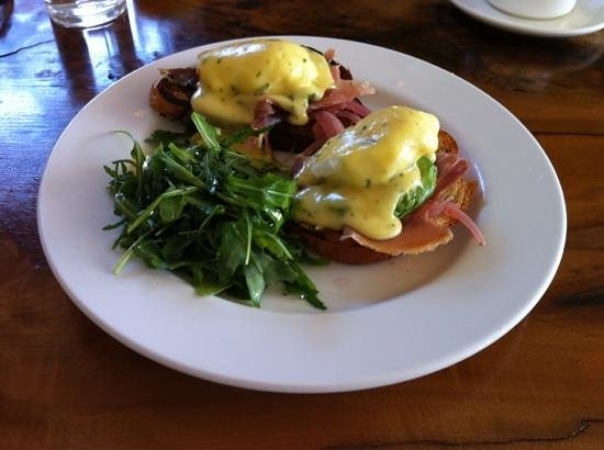 The Spinster Sisters: Joe's Benedict